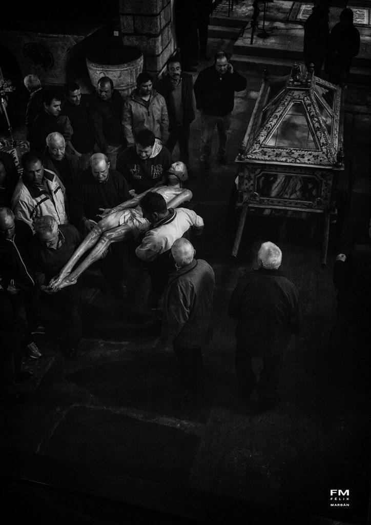 Cofrades de Bercianos de Aliste la mañana de Viernes Santo