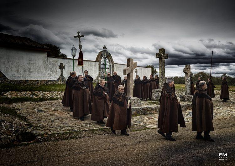 Procesión de capas pardas - Jueves Santo en Bercianos de Aliste